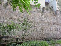 Újjáéled a történelmi városfal a pesti belvárosban
